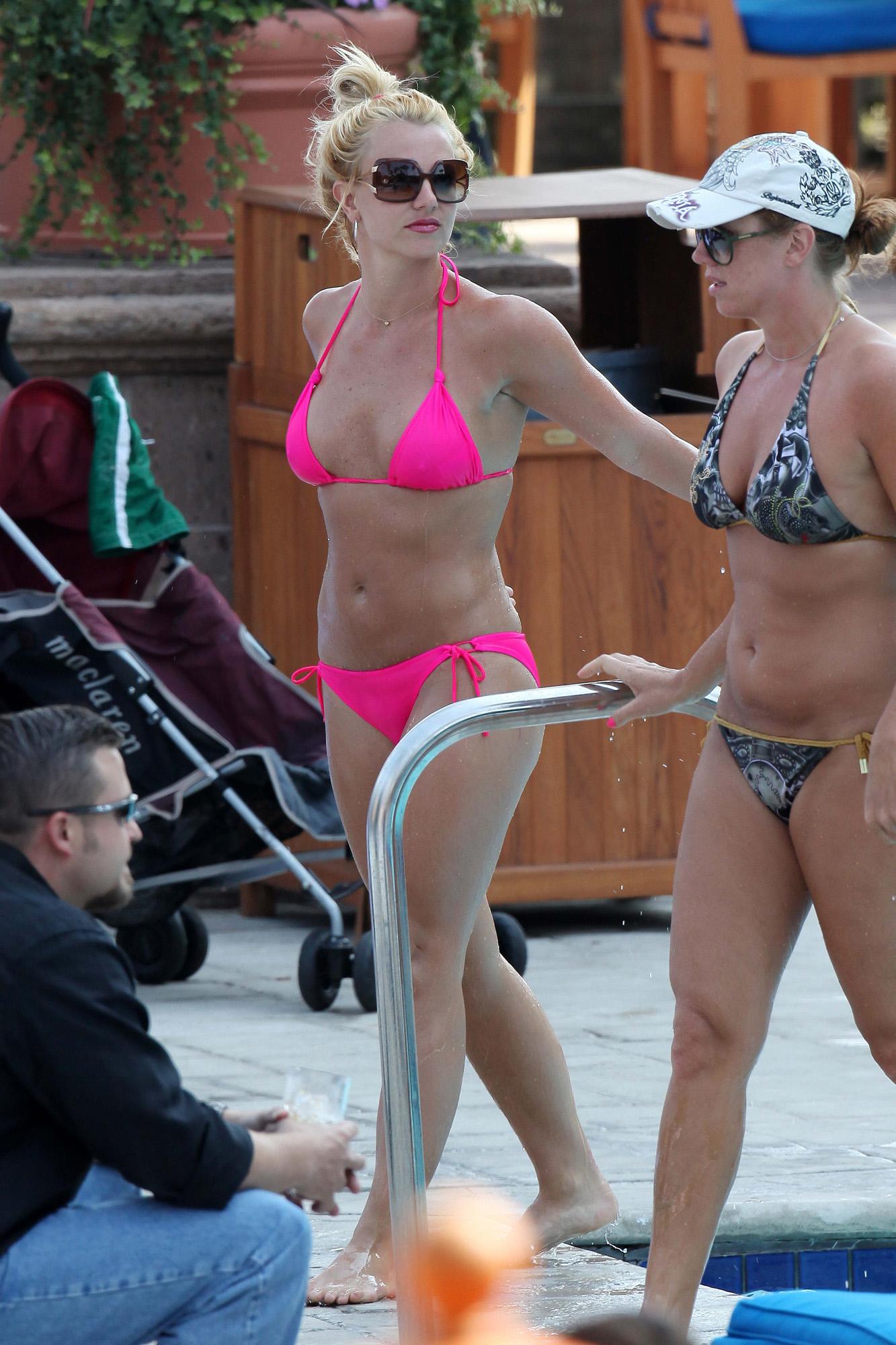 Britney Spears Bikini is soooo Kewl