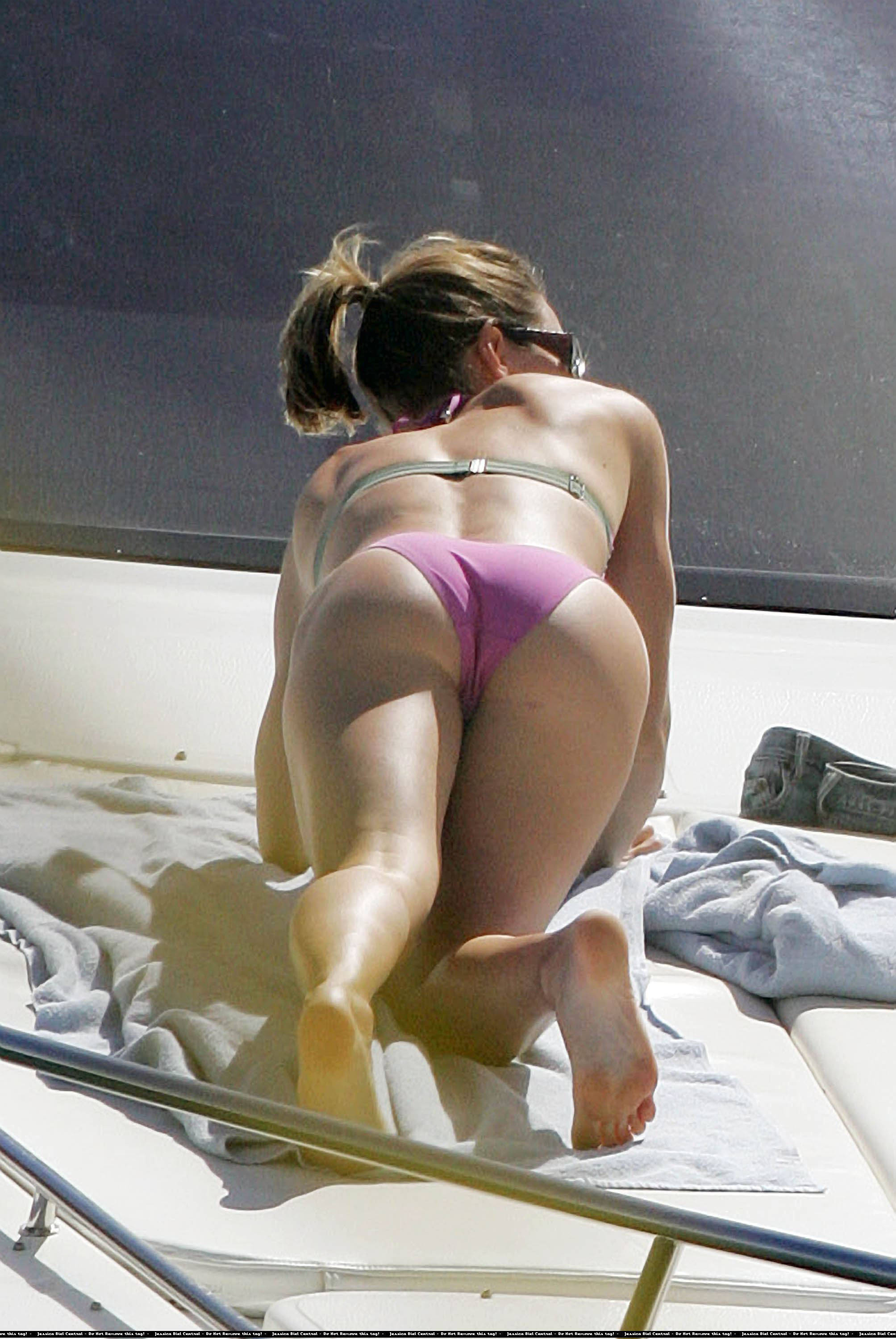 HQ Bikini Celebs and more