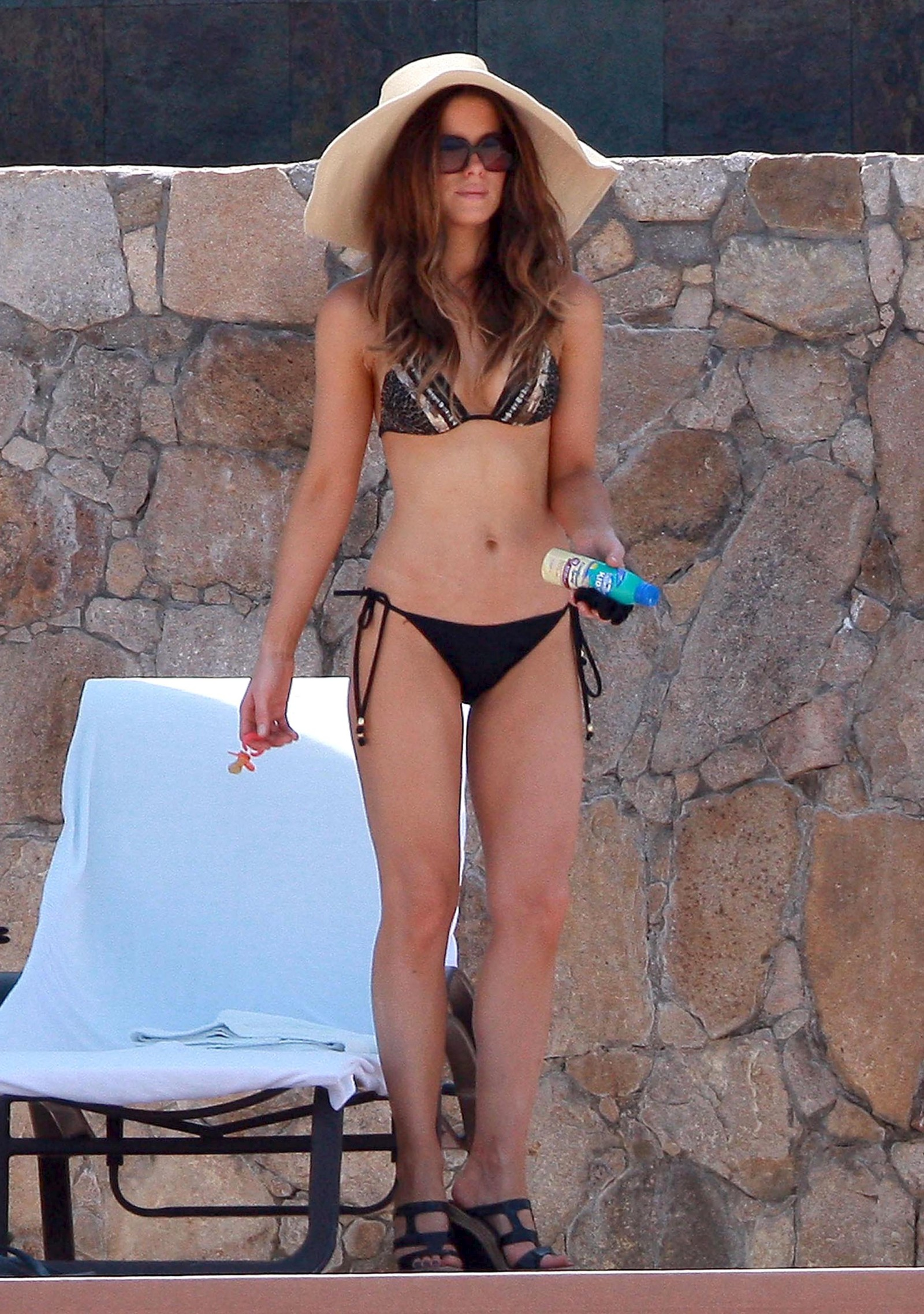 Kate Beckinsale In Bikini 47