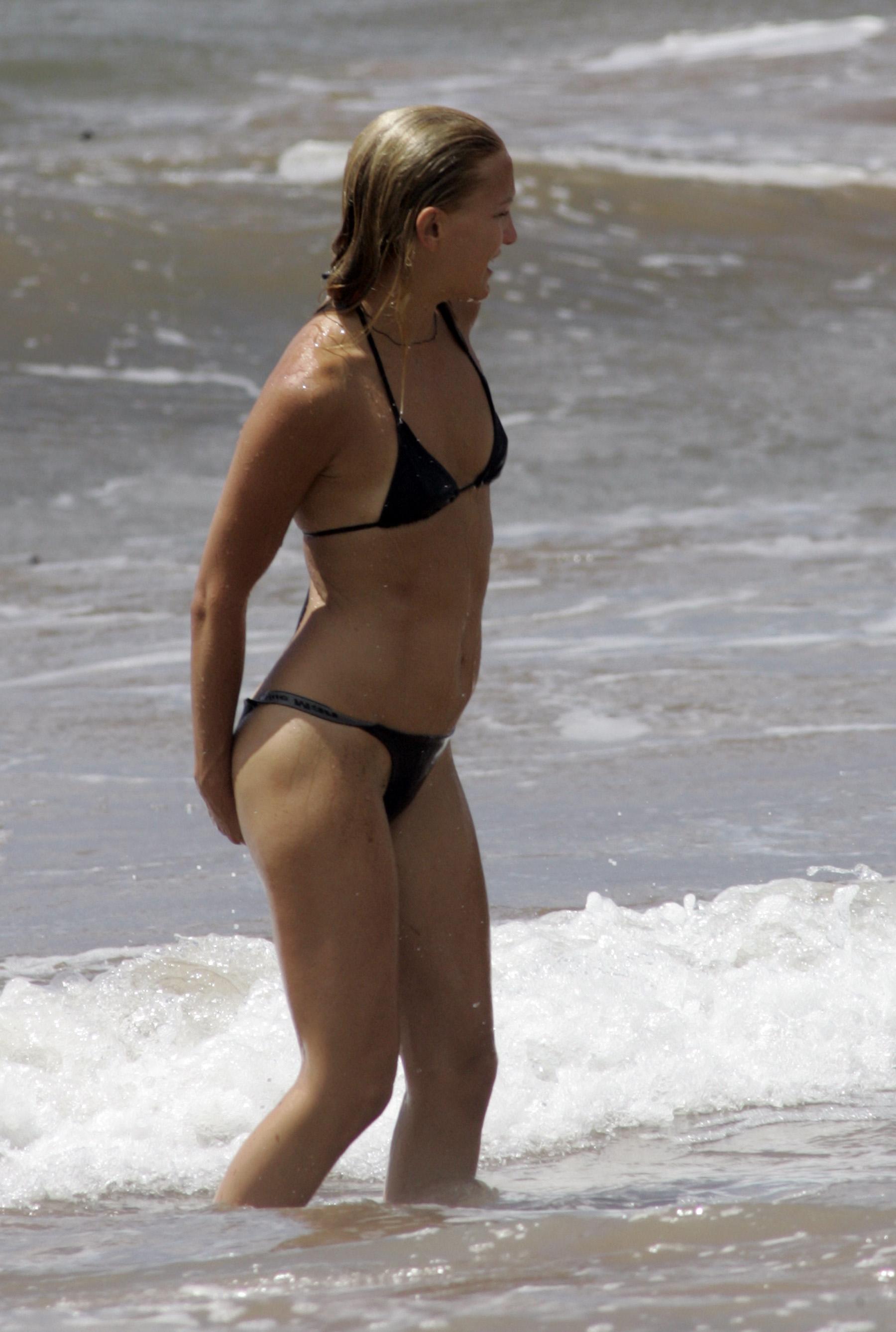 Kate Hudson And A Sexy Bikini  Bikinibutts Celebs And -6357